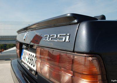 bmw-325i-cabrio-e30-19