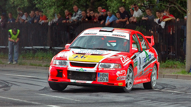 Video: Mitsubishi Lancer Evo gr. A & Tommi Mäkinen