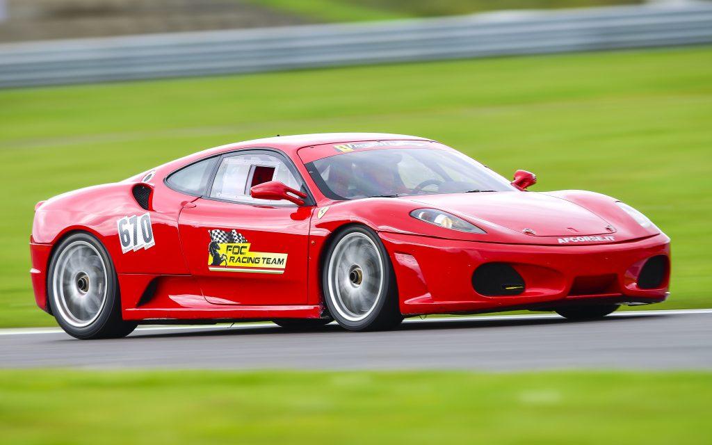 Fotogalerie: S Ferrari a Maserati bezpečně v Mostě