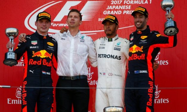 Lewis Hamilton s Mercedesem vyhrál Velkou cenu Japonska