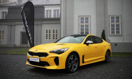 Fastback Kia Stinger okouzlil českou veřejnost a zvítězil v kategorii VELKÉ VOZY ankety Auto roku 2018 v ČR