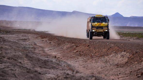 Macík na Dakaru třetí. Brabec v první čtyřicítce. Klidná síla zasahuje