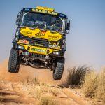 Macík v Africe otestoval nový výkon kamionu. Brabec prošel školou navigace