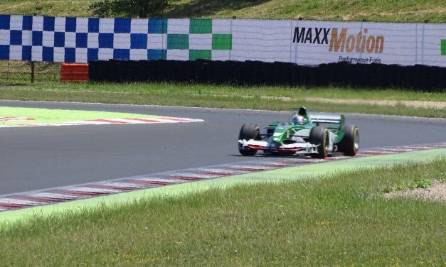 Formule 1 Marka Webbera se proháněla po mosteckém autodromu